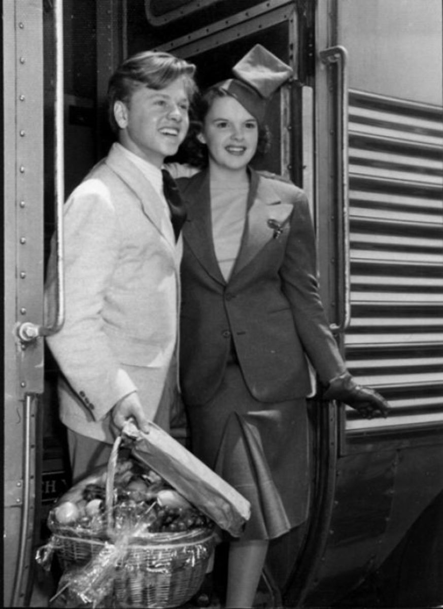 With Mickey Rooney on the The Wizard of Oz promo tour, 1939.