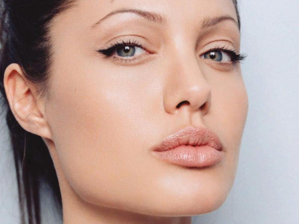 Angelina Jolie Photos and Videos