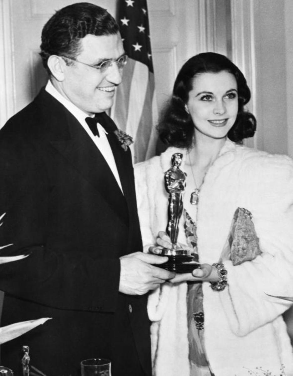 Vivien and David Selznick with her Best Actress Award