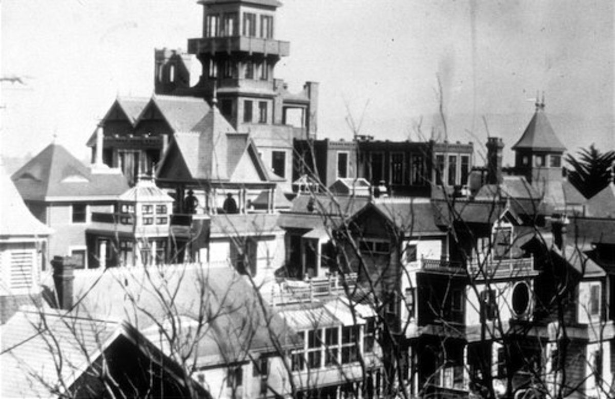 Winchester Mansion before the great San Francisco earthquake of 1906
