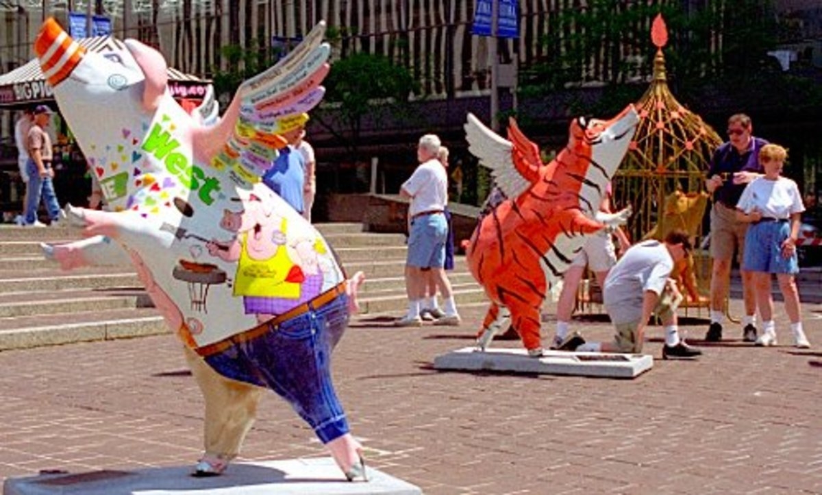"Cincinnati Public Art: Pigs represent Cincinnati's history as the pork capital of the Midwest - ""Porkopolis."""