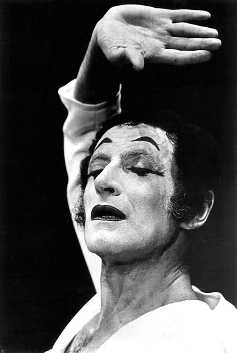 Marcel Marceau, famous mime. Photos may be appropriate for some resumes or attached documentation.