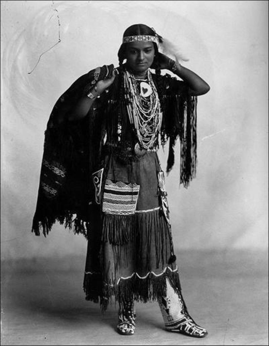 Wah-Ta-Waso. Photographed by Frank A. Rinehart, 1898.