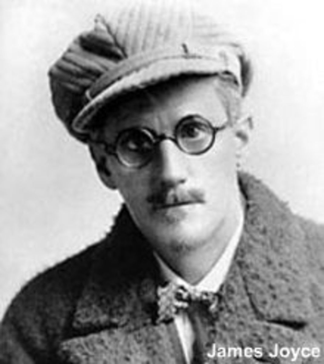Author James Joyce aimed to bridge the gap between intellectuals and those who were less literate in his work by giving the working class a voice in his storytelling.