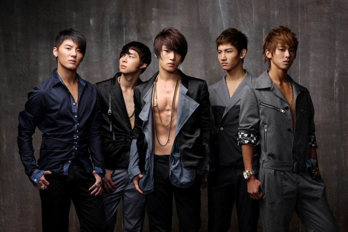 TVXQ as a five-member group