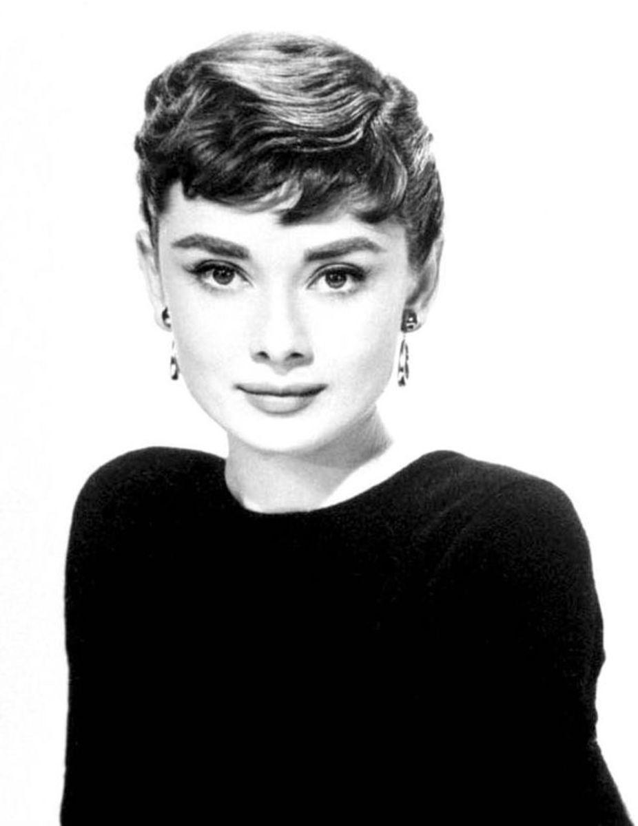 File: Audrey Hepburn black and white.jpg VanZanten 12-31-53
