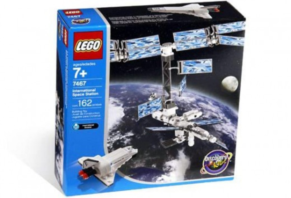 LEGO Discovery International Space Station 7467 Box