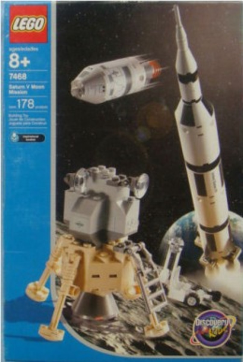 LEGO Discovery Saturn V Moon Mission 7468 Box