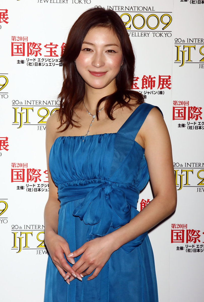 ryoko-hirosue-award-winning-japanese-movie-actress-and-singer-from-yokohama
