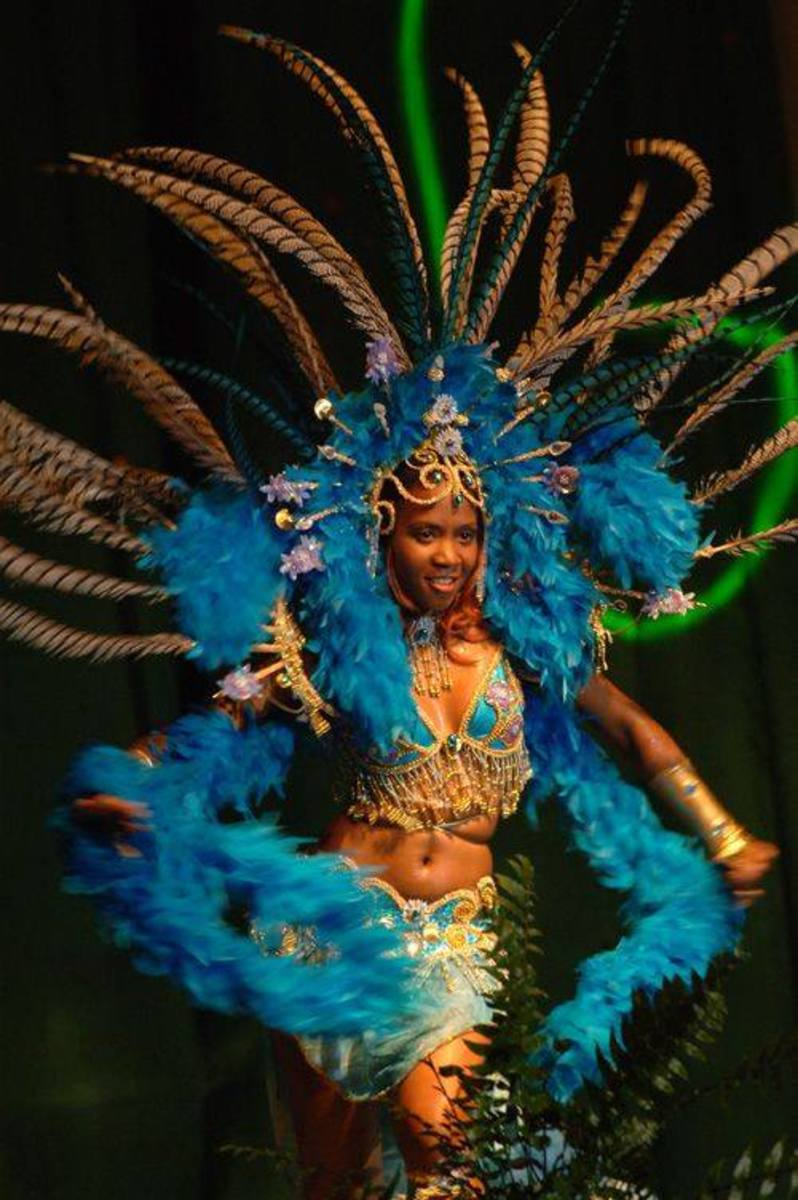 Dominican Woman in Carnival costume ...