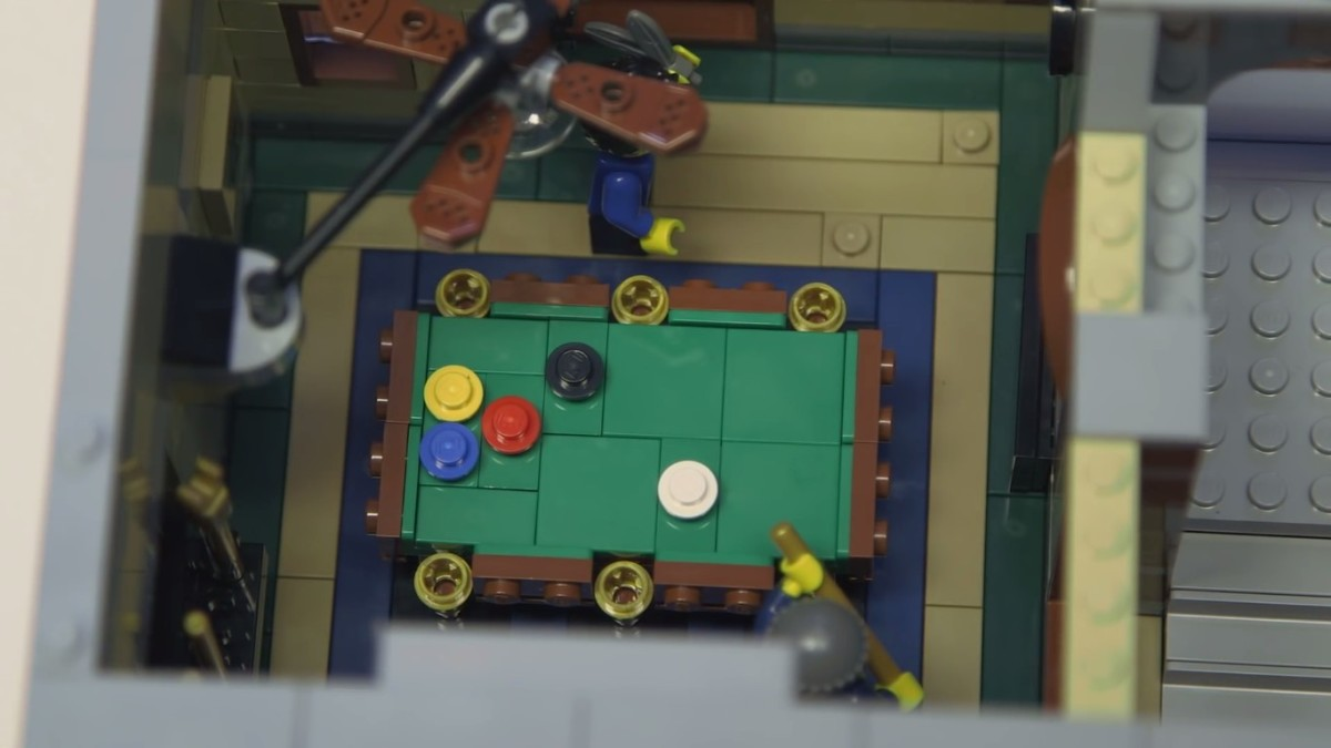 LEGO Creator Detective's Office Modular Building | The ground level. The pool hall.