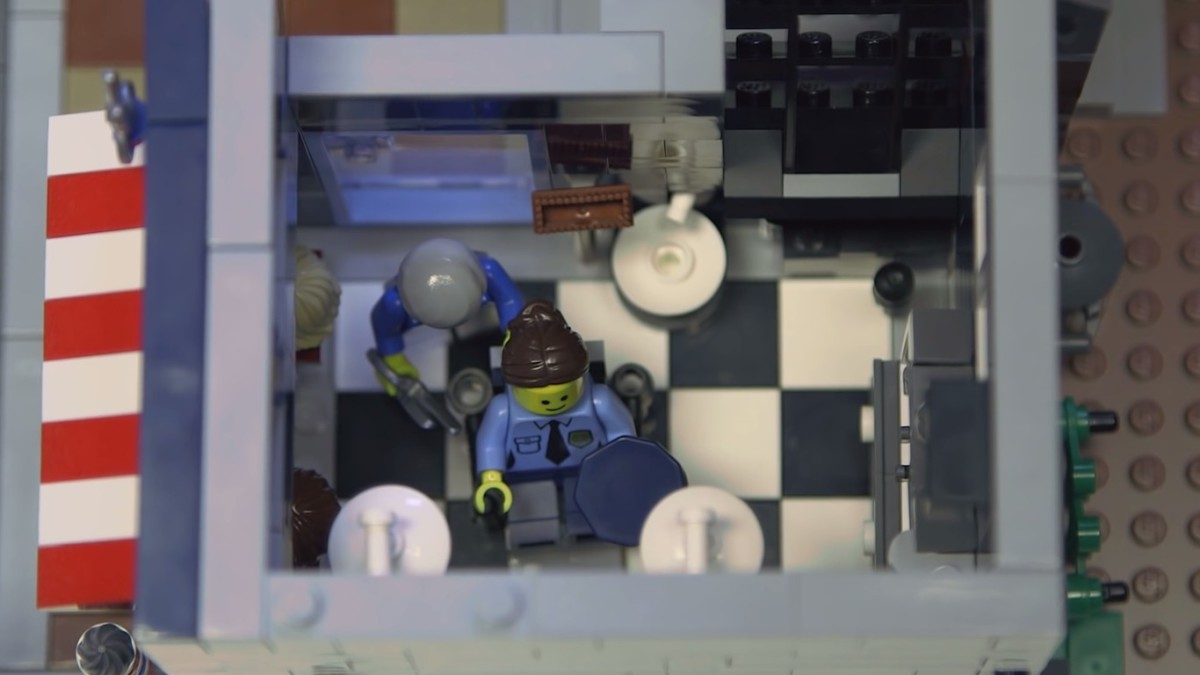 LEGO Creator Detective's Office Modular Building | The ground level. The barbershop.