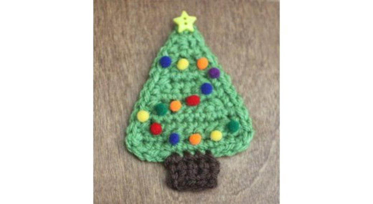 Amigurumi Christmas Tree Free Pattern : 15 free christmas tree applique crochet patterns. hubpages