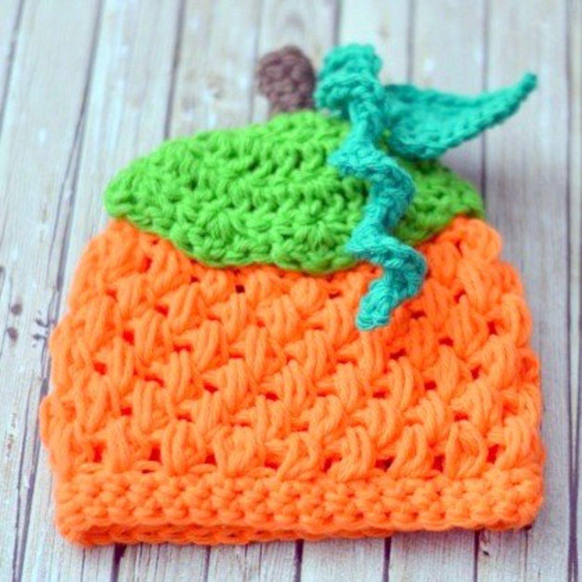 Free crochet pattern fall Thanksgiving pumpkin beanie.