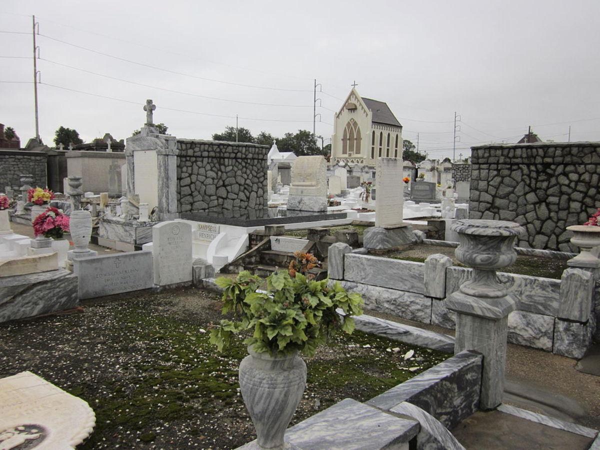 haunted-cemeteries-of-louisiana