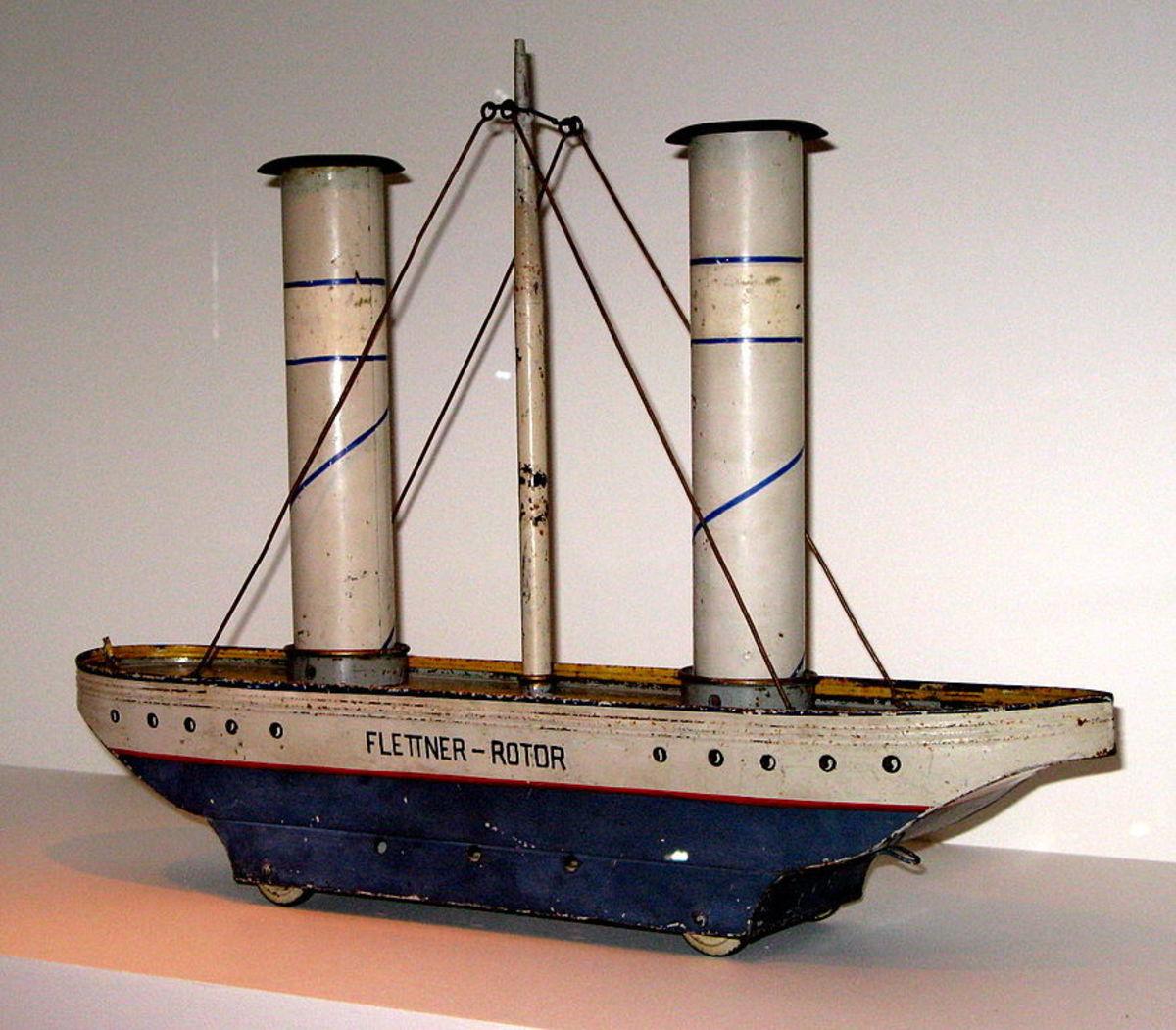 Flettner rotor toy ship