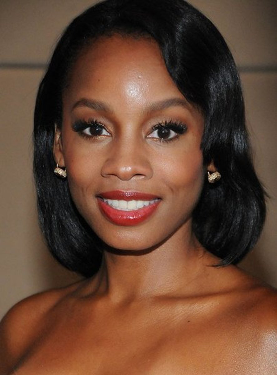Tony Award winning actress, Anika Noni Rose, who graduated from Bloomfield High School, the same school that Dennis graduated from.