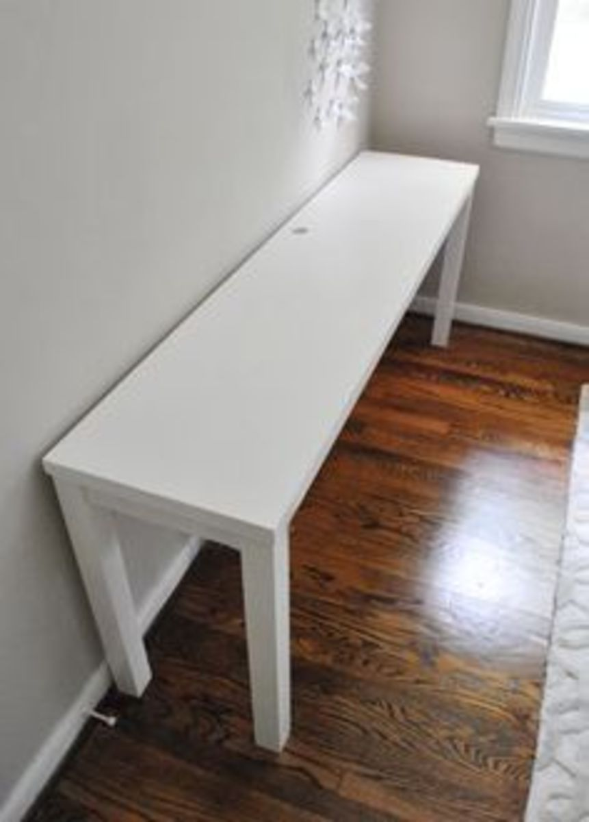 Click Source for the instructions to build this desk for the minimalist's bedroom