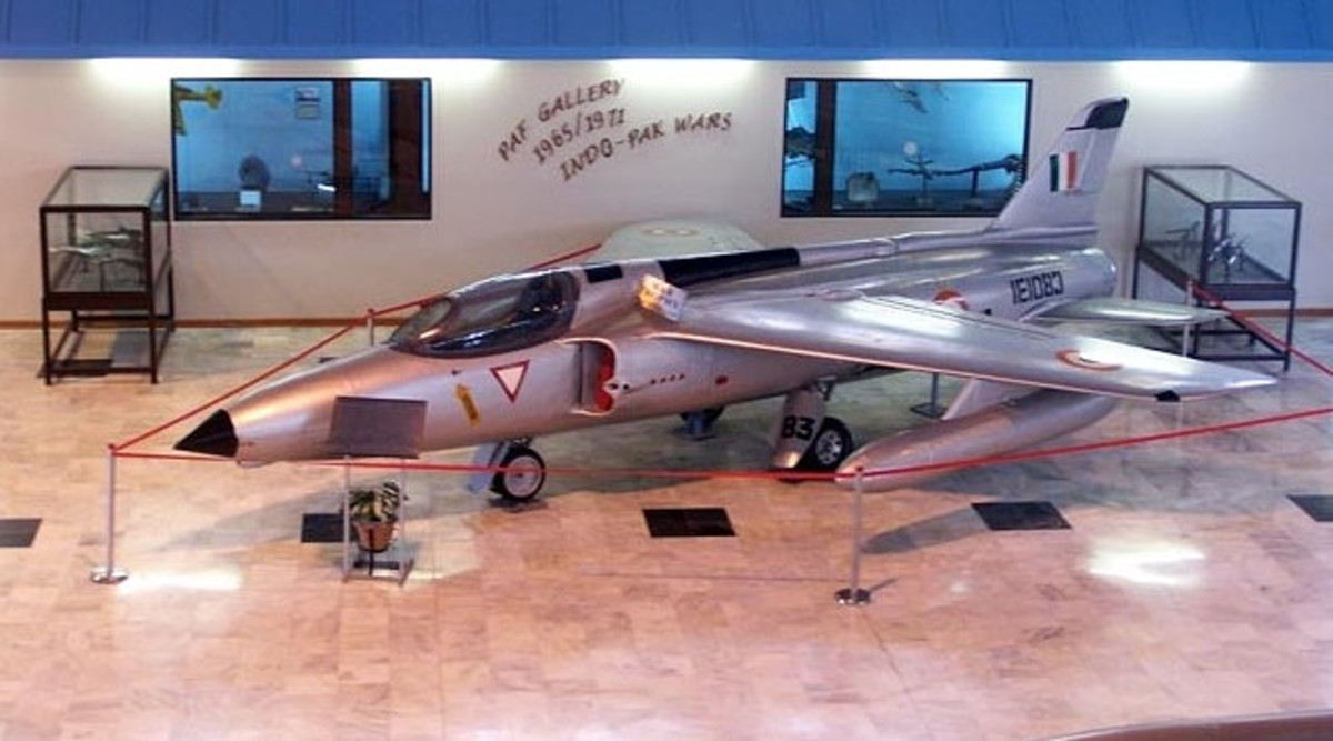 1965 Indo-Pak War: Surrender of Two Fighter Planes to Paf
