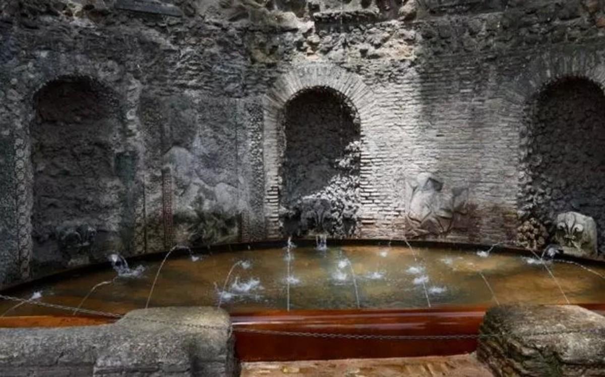 Horti Farnesiani secret gardens belonging to the powerful Farnese family, the cave-like nymphaeu.
