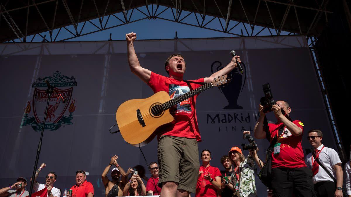Jamie Webster playing in Madrid