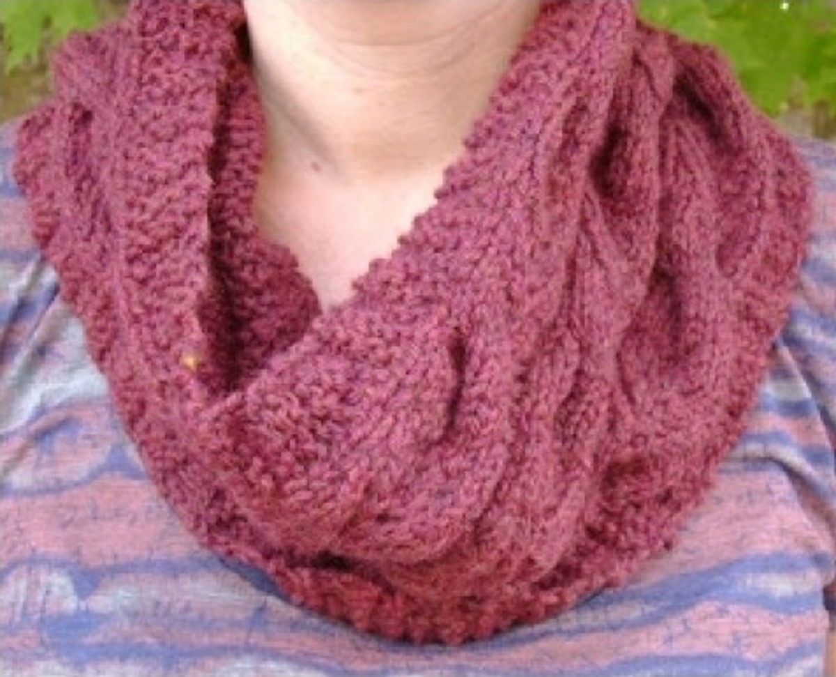 Cabled Modern English Cowl