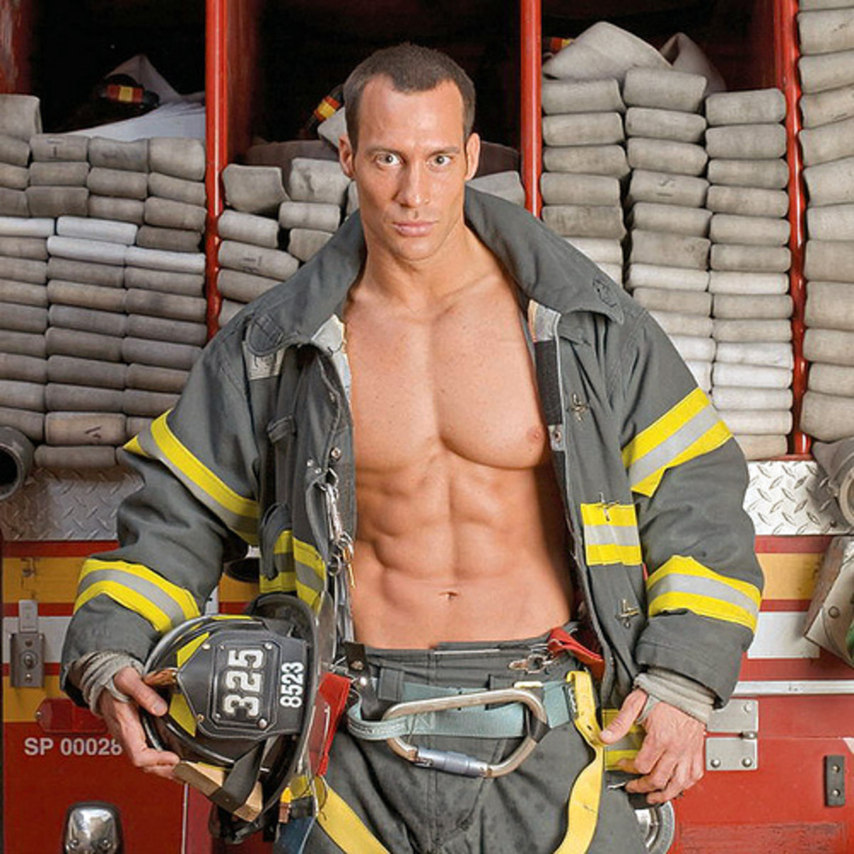How to attract firemen / firefighters without a fire!