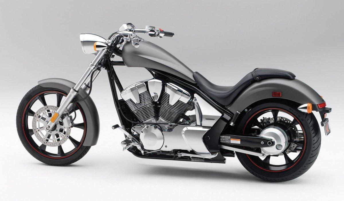 Honda Fury vs. Yamaha Raider: Perfection Meets Grotesquerie