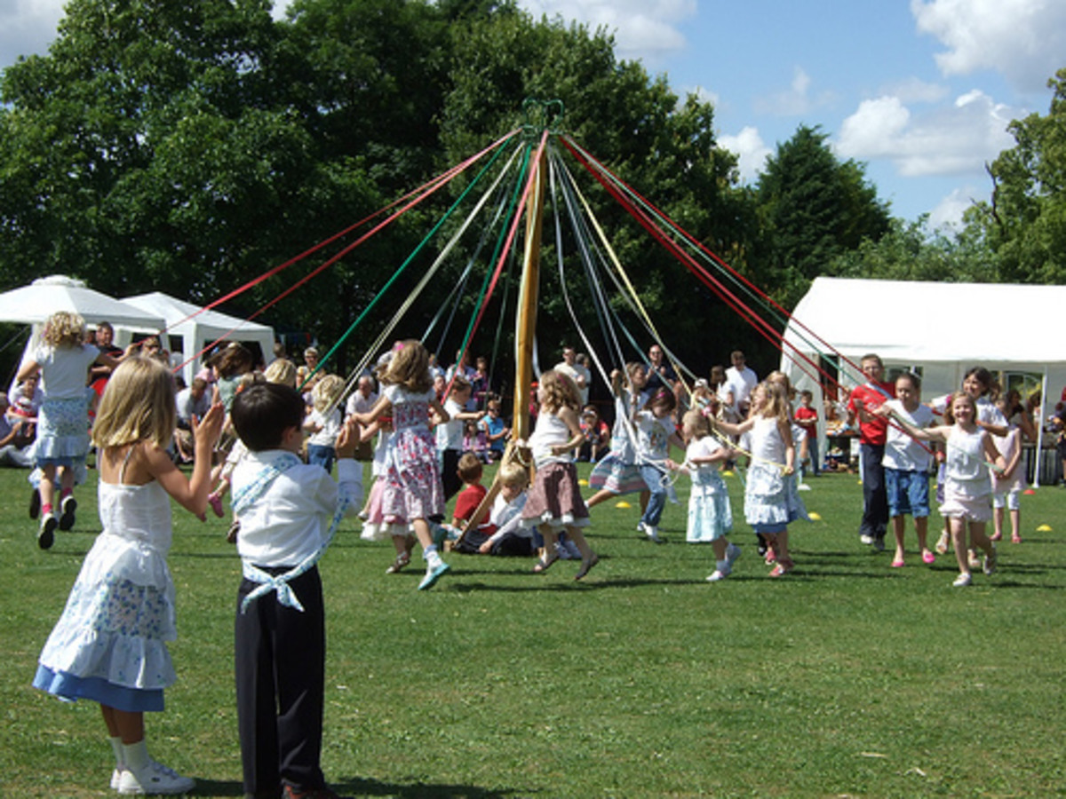 Dancing round the Maypole, copyright Ali Smiles :)
