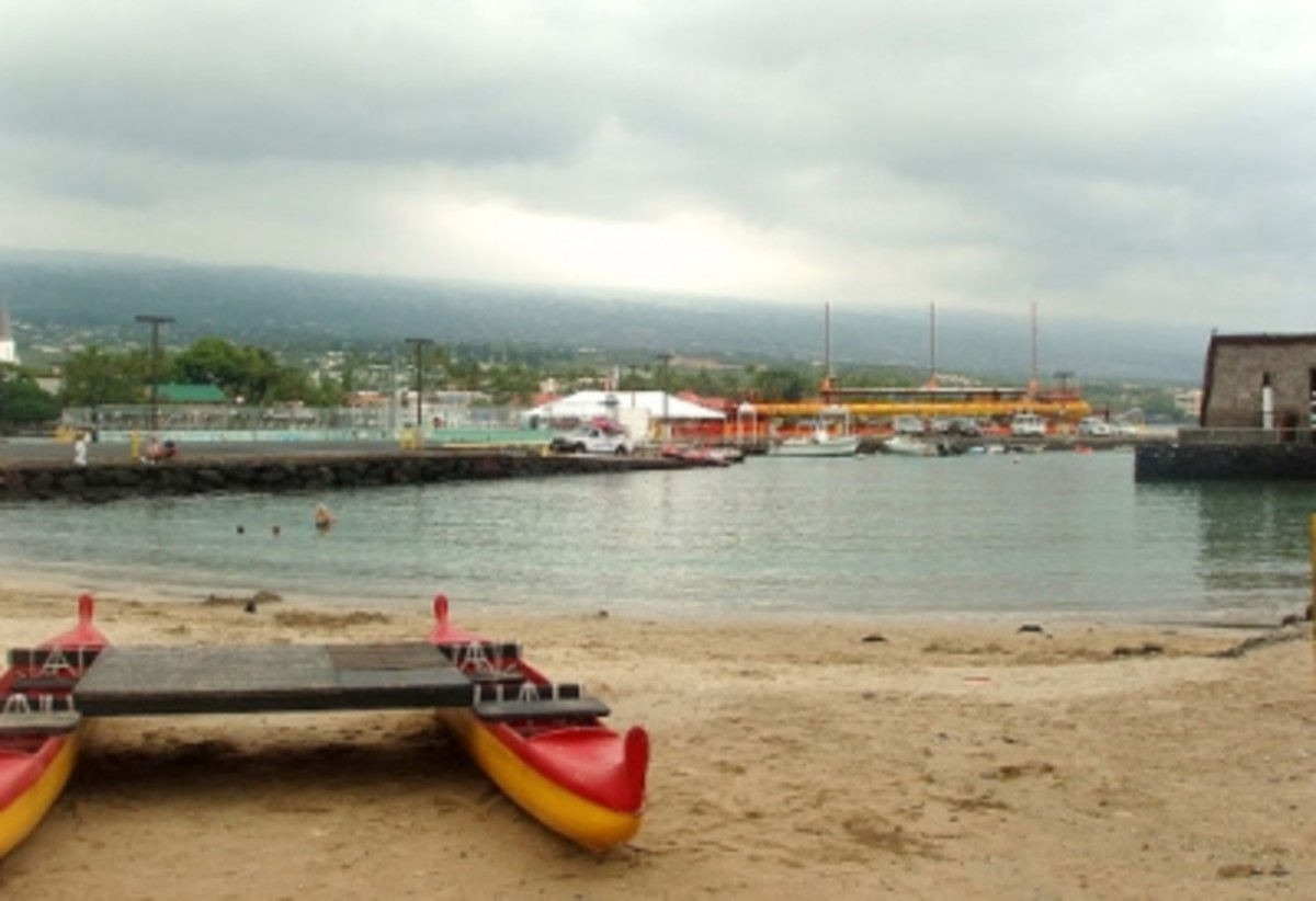 Kamakahonu Beach ~ Located Between the Kailua-Kona Pier & the King Kamehameha Hotel