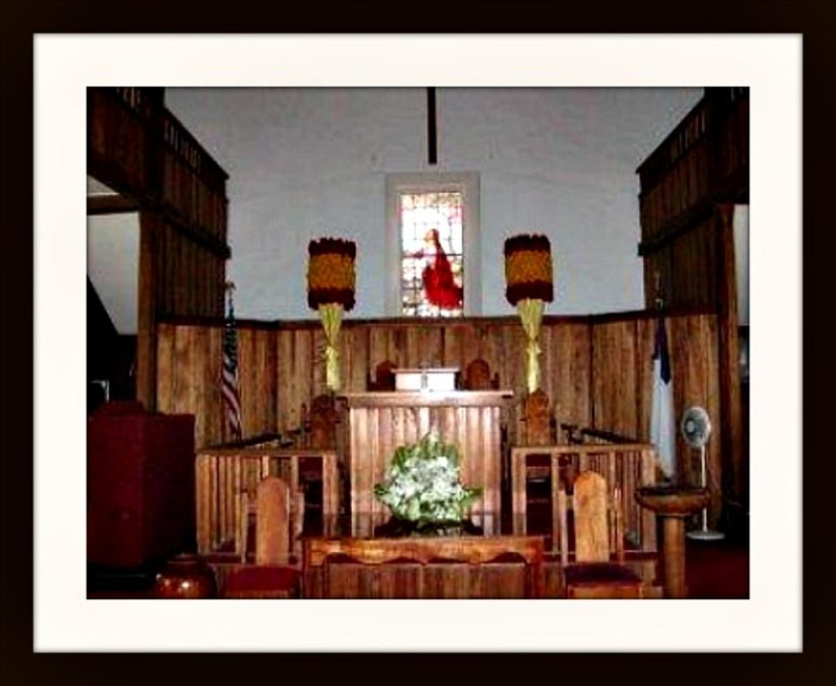 Inside Moku'aikaua Church