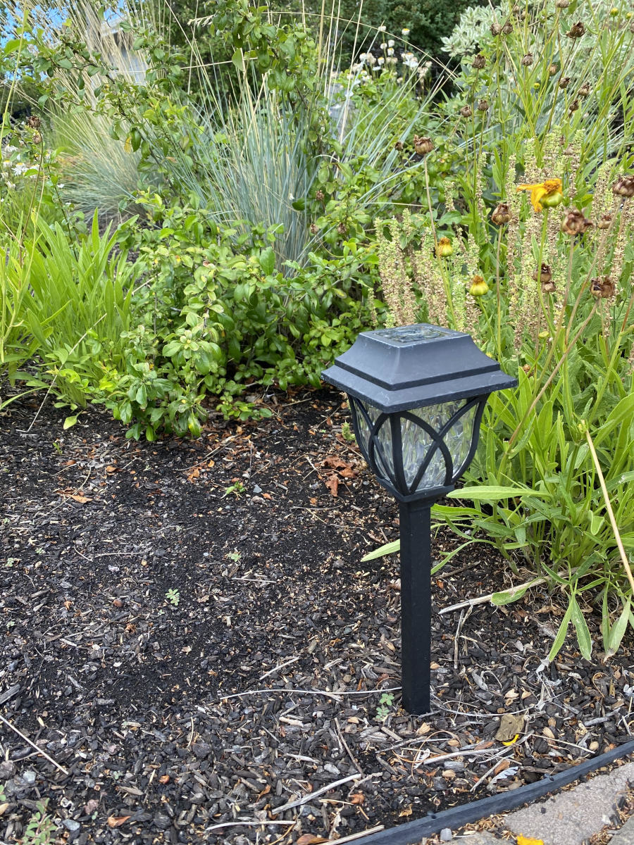 Solar Garden Lights: Landscape and Yard Lighting