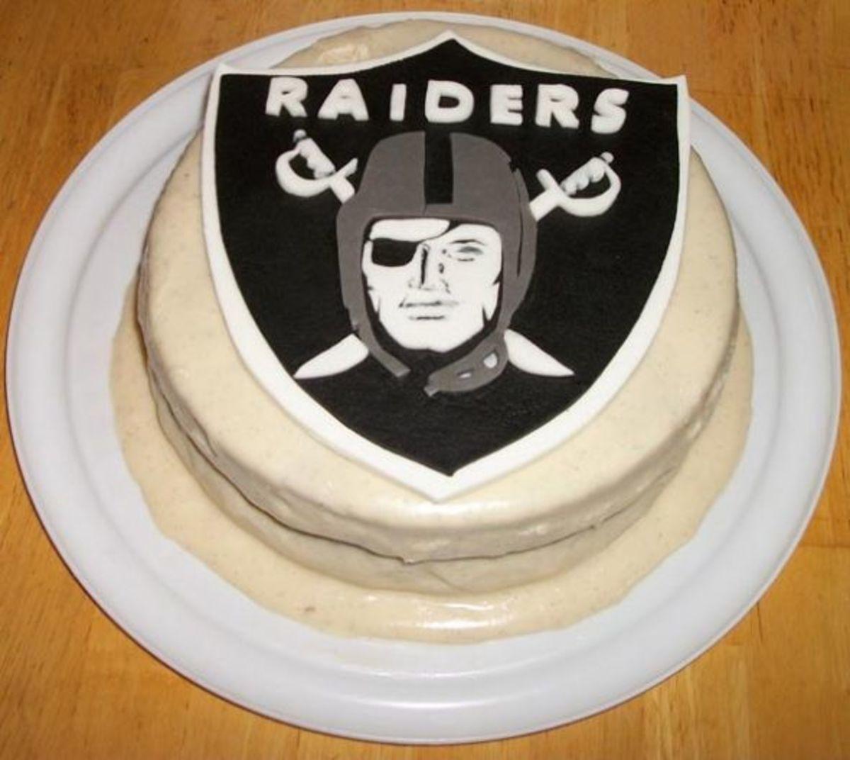 Oakland Raiders rendered in sugar