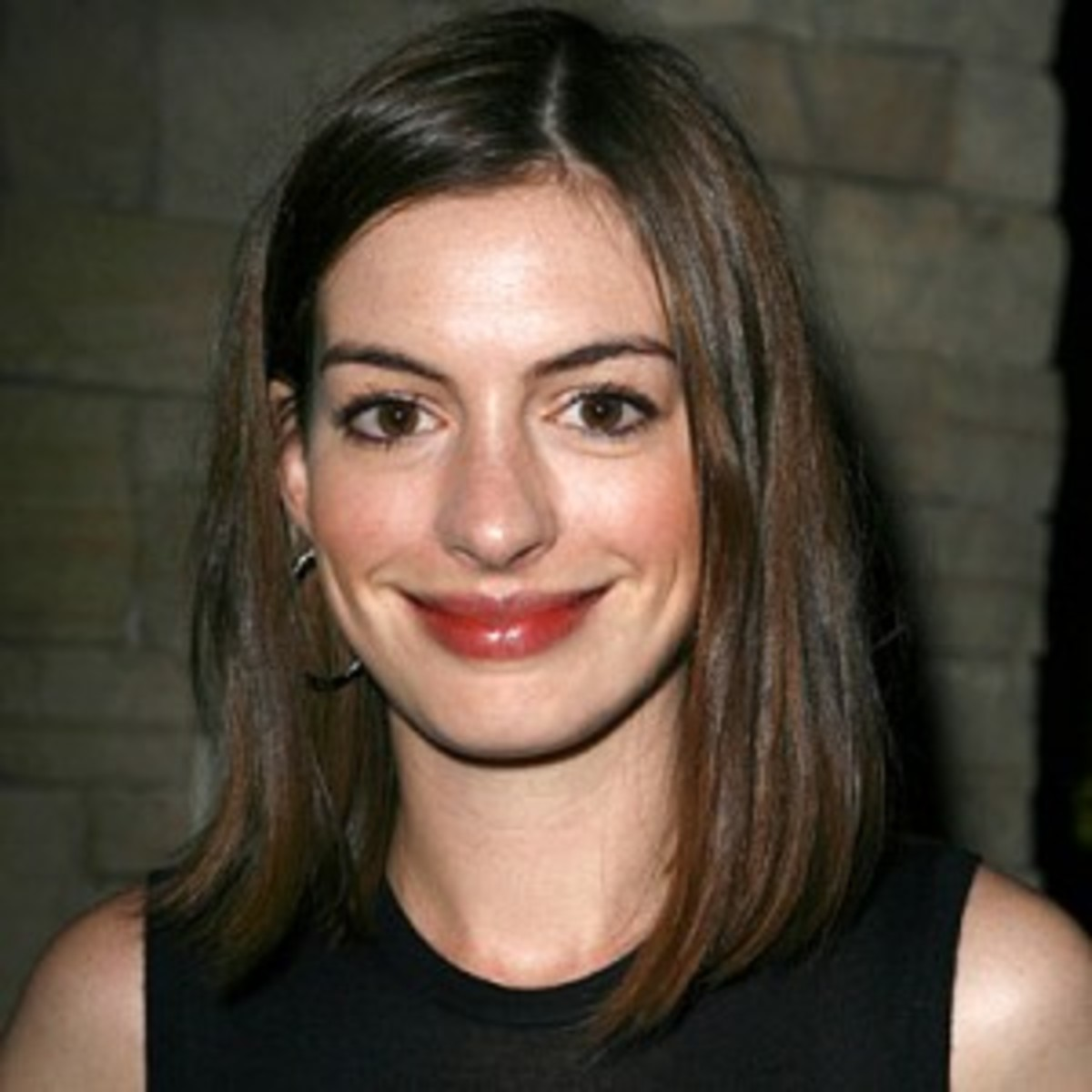 Anne Hathaway's eyebrows are a bit fuller than most celebrities.