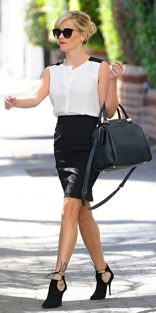 Reese Witherspoon perfect street style in a classy white top and pencil skirt with pumps