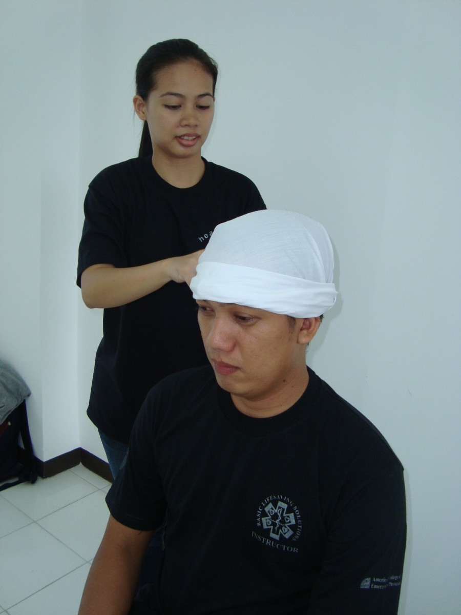 How To Apply A Head Scalp Bandage