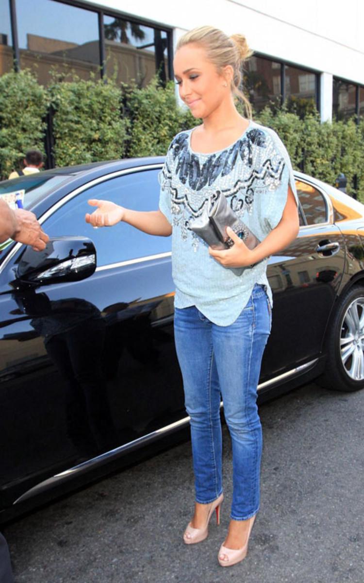 Hayden Panettiere in skinny jeans