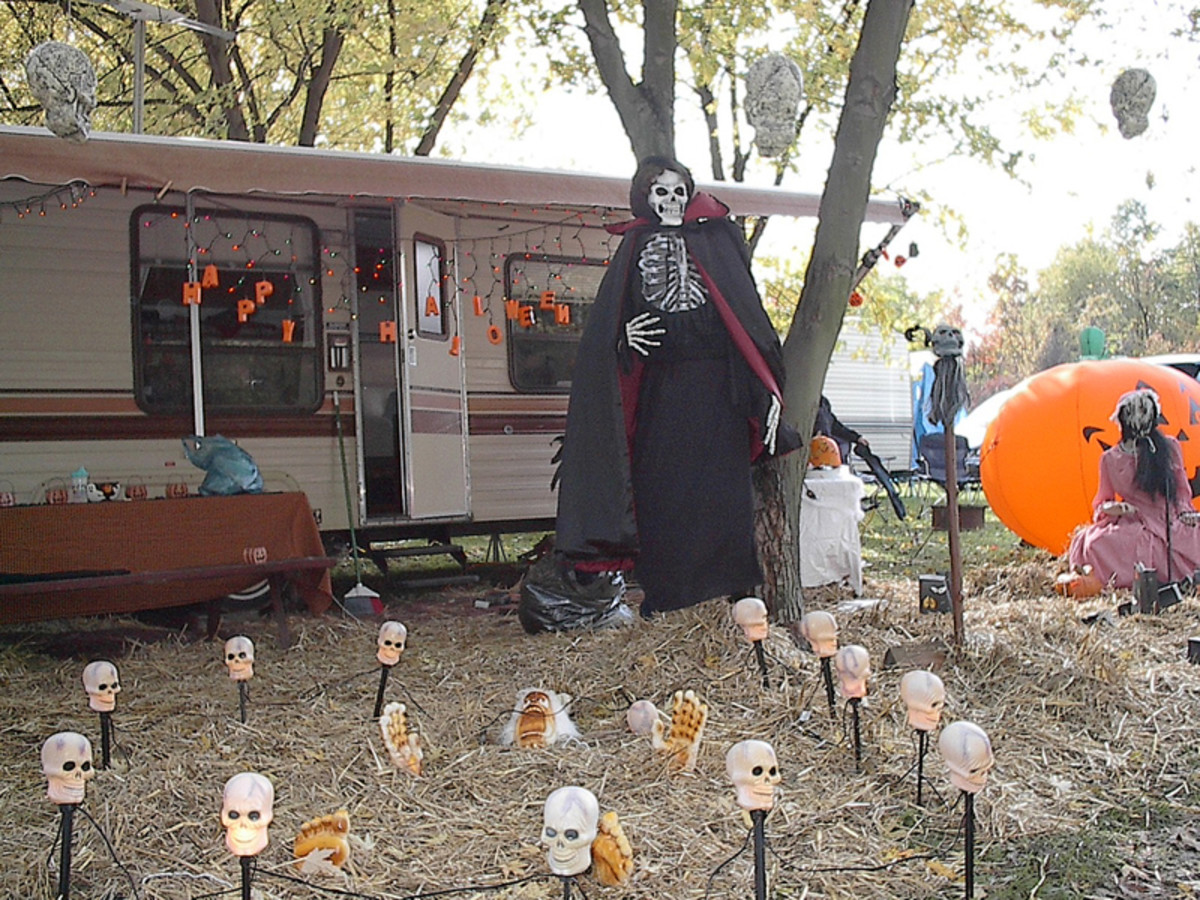 Scary halloween yard decoration ideas - Halloween Yard Props Outdoor Halloween Decorations