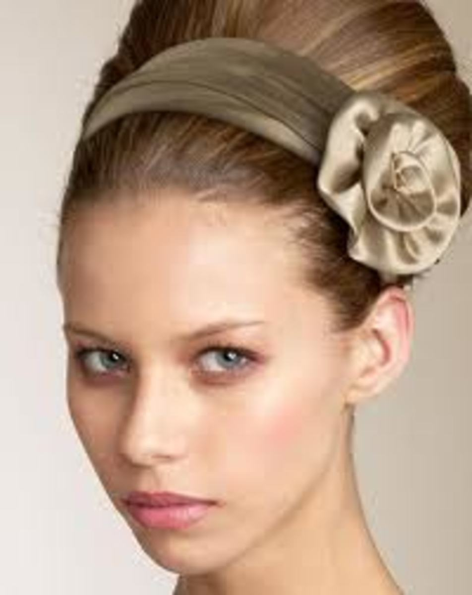 You can make your headband look like this one simply by adding on a flower brooch.