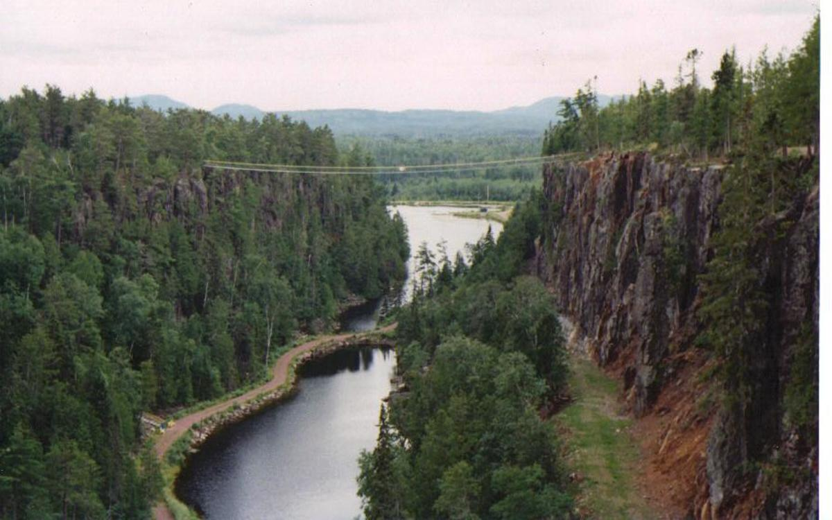 Extendable Bridge (just east of Thunder Bay, Ontario, Canada)