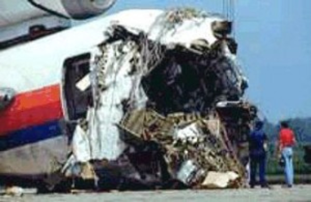 1989, United Airlines flight 232, a McDonnell Douglas DC-10 en route for Chicago OHare from Denver, crashes in Sioux City, Iowa, following the uncontained failure of the #2 engine and the loss of all hydraulic controls.