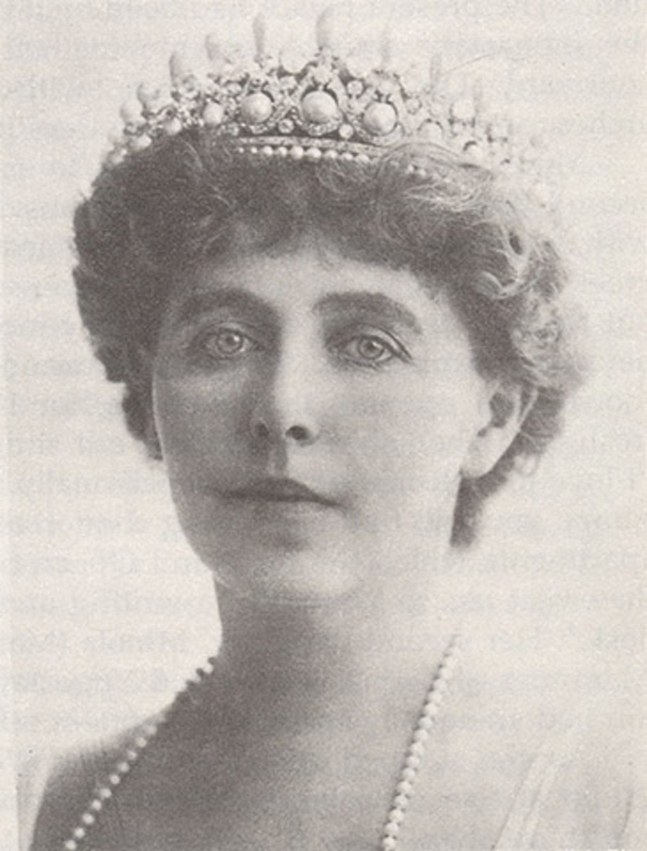 Queen Marie of Romania, crowned Queen in Alba Iluia, Transylvania in 1922