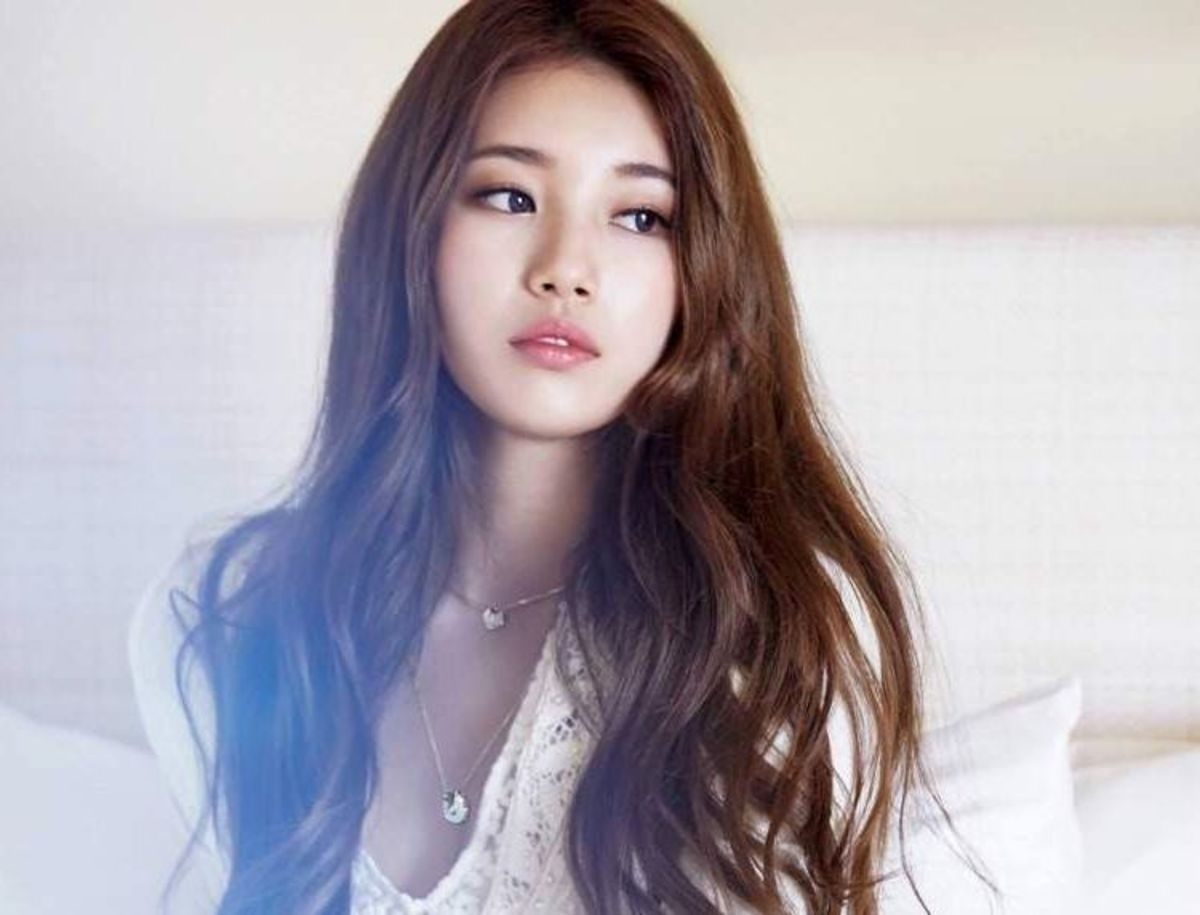South Korean singer and actress Bae Su-ji (Suzy)