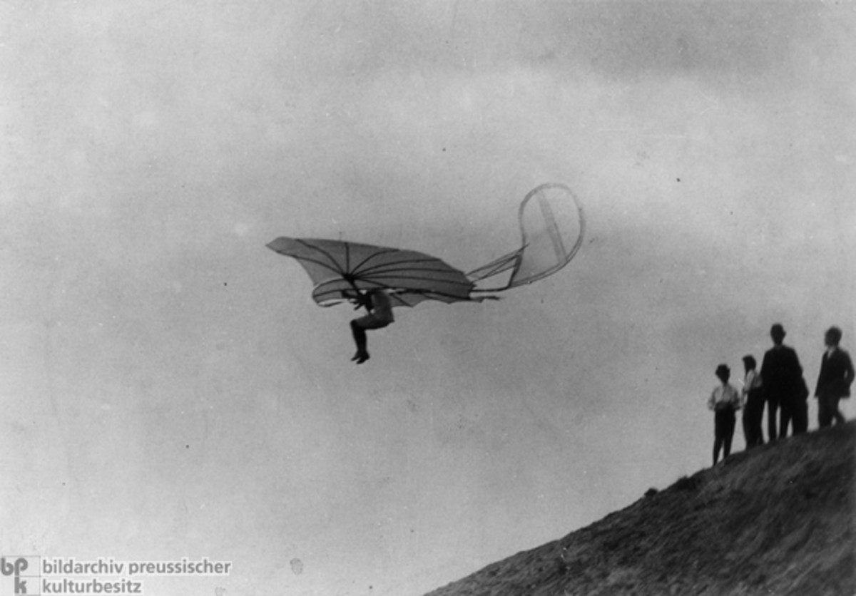 Otto Lilienthal and his Glider (1893)
