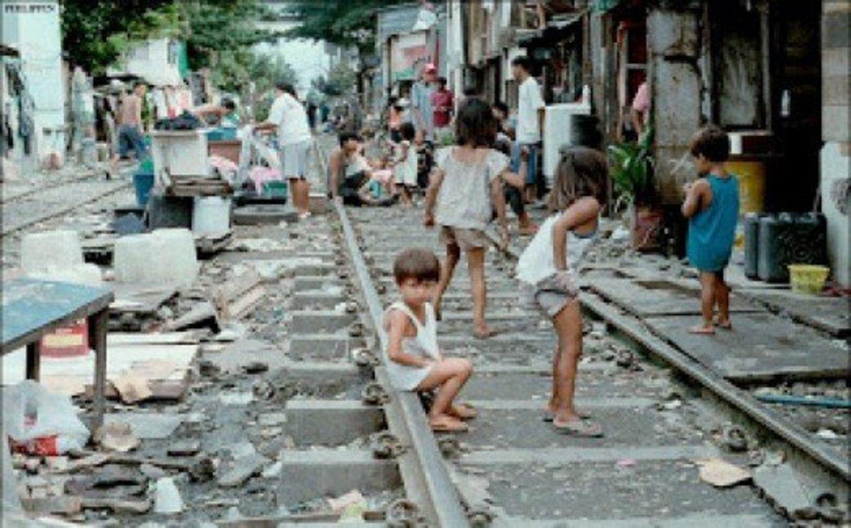 The world of Nigerias floating slums: Heartbreaking
