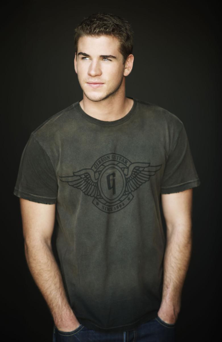 """Name - Liam Hemsworth Birthday - January 13, 1990 Height - 6'3"""""""