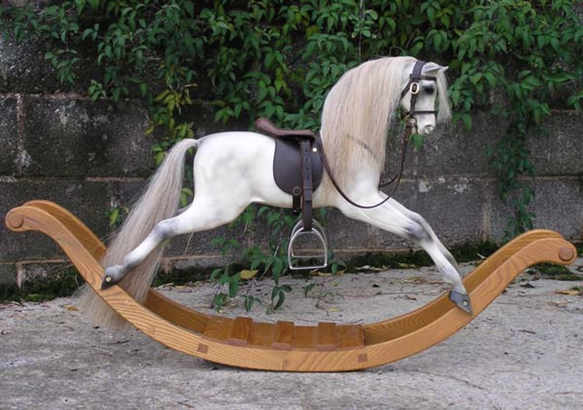 i want to buy an antique rocking horse hubpages. Black Bedroom Furniture Sets. Home Design Ideas