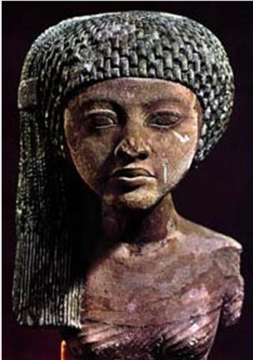 Princess Meritaten [Merytaten], the wife of Smenkhkare, was daughter of King Akehenaton and Queen Nefertiti