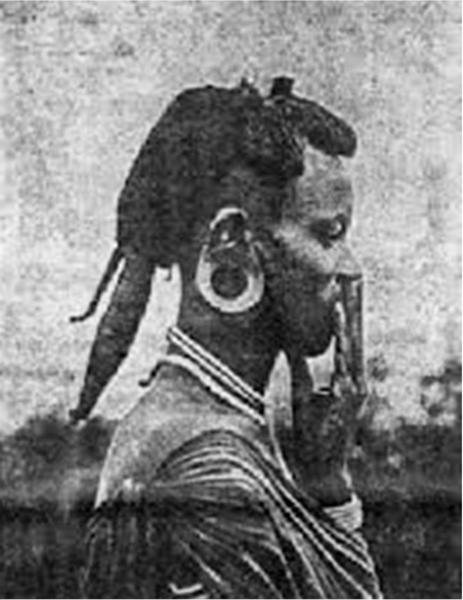 A Kikuyu male - note similarity with Akhenaten's headdress