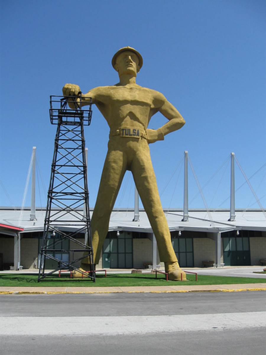 Tulsa Landmarks: The Tulsa Golden Driller